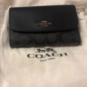 Coach wallet w/ dust bag